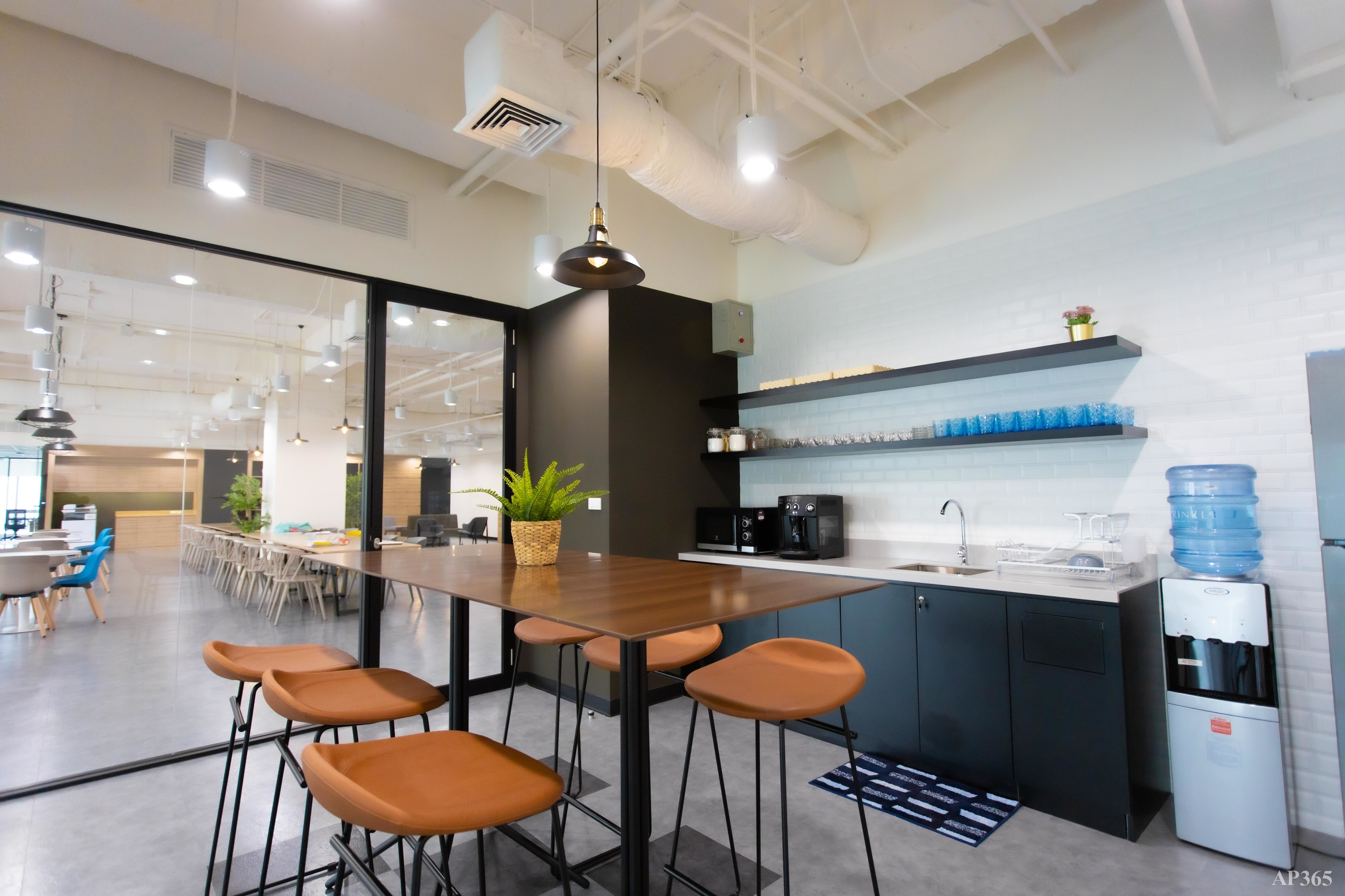 SHINEI Serviced Office & Co-working Space - 6