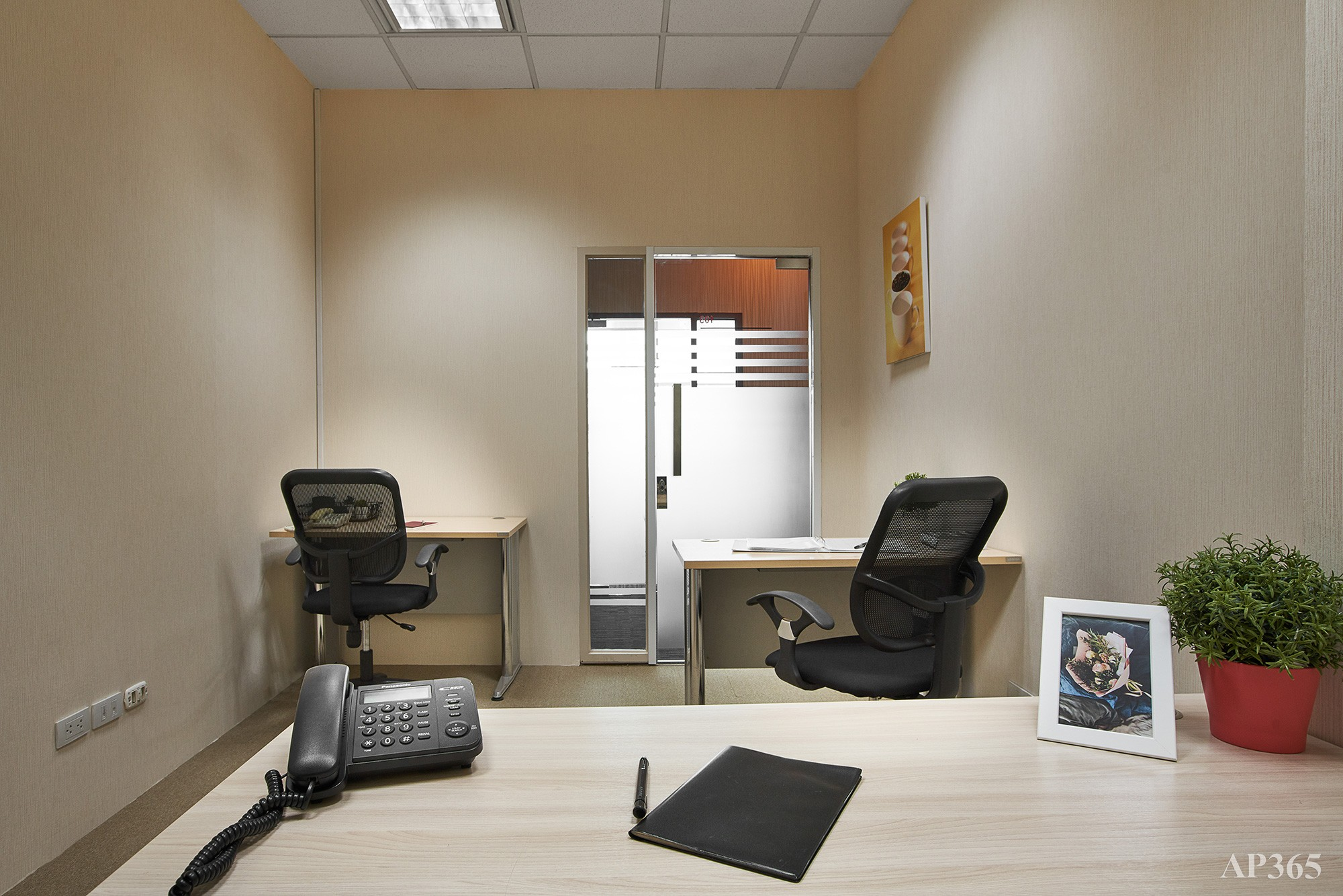 Linuxx Serviced Office - Asia Centre Building 17th Fl. (Room 103) - 4